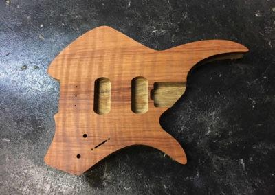 Kompakt 6 Flame Redwood/ White Limba.